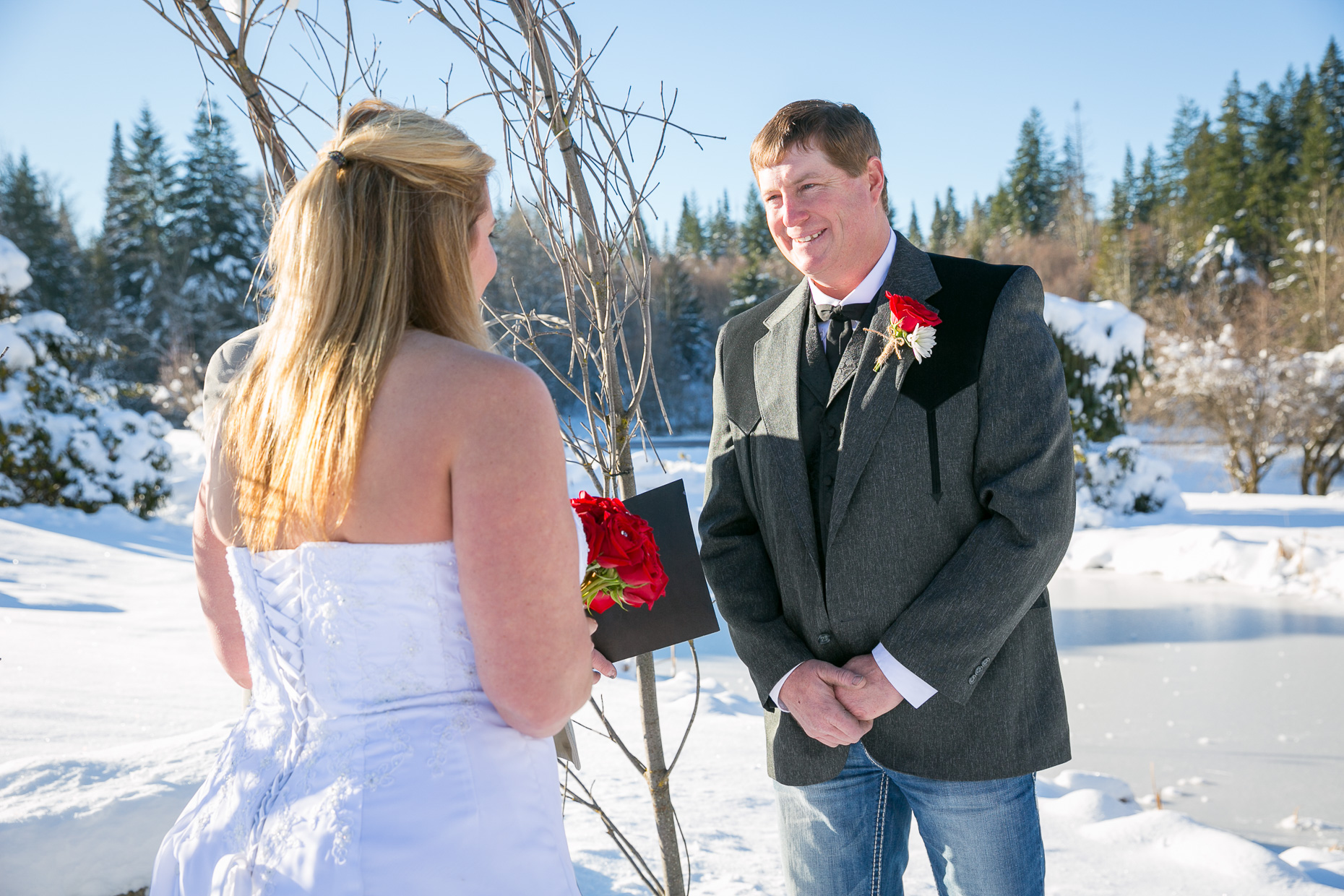 mt-hood-bed-breakfast-elopement-snow-10