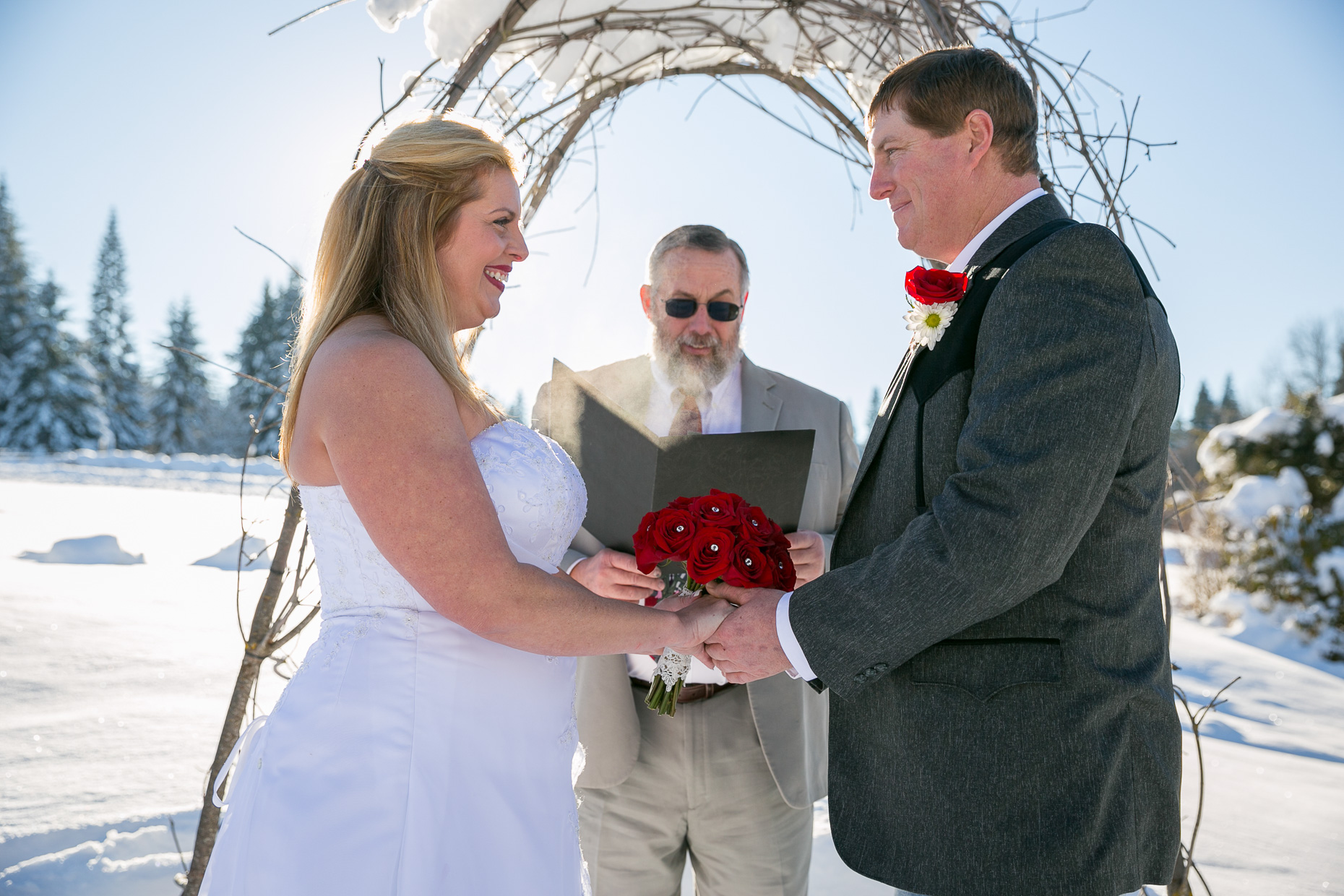 mt-hood-bed-breakfast-elopement-snow-11