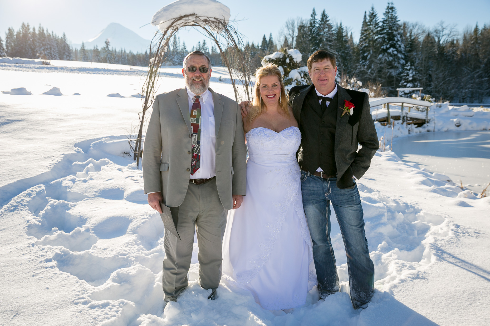 mt-hood-bed-breakfast-elopement-snow-18