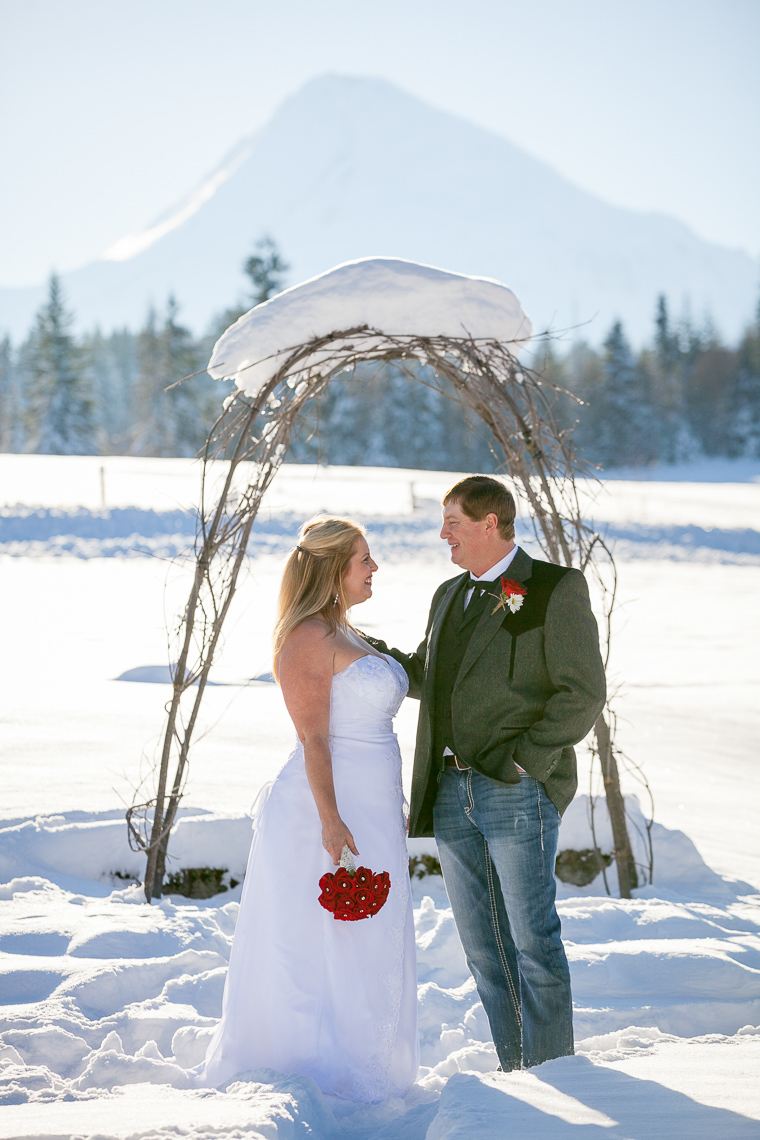 mt-hood-bed-breakfast-elopement-snow-19