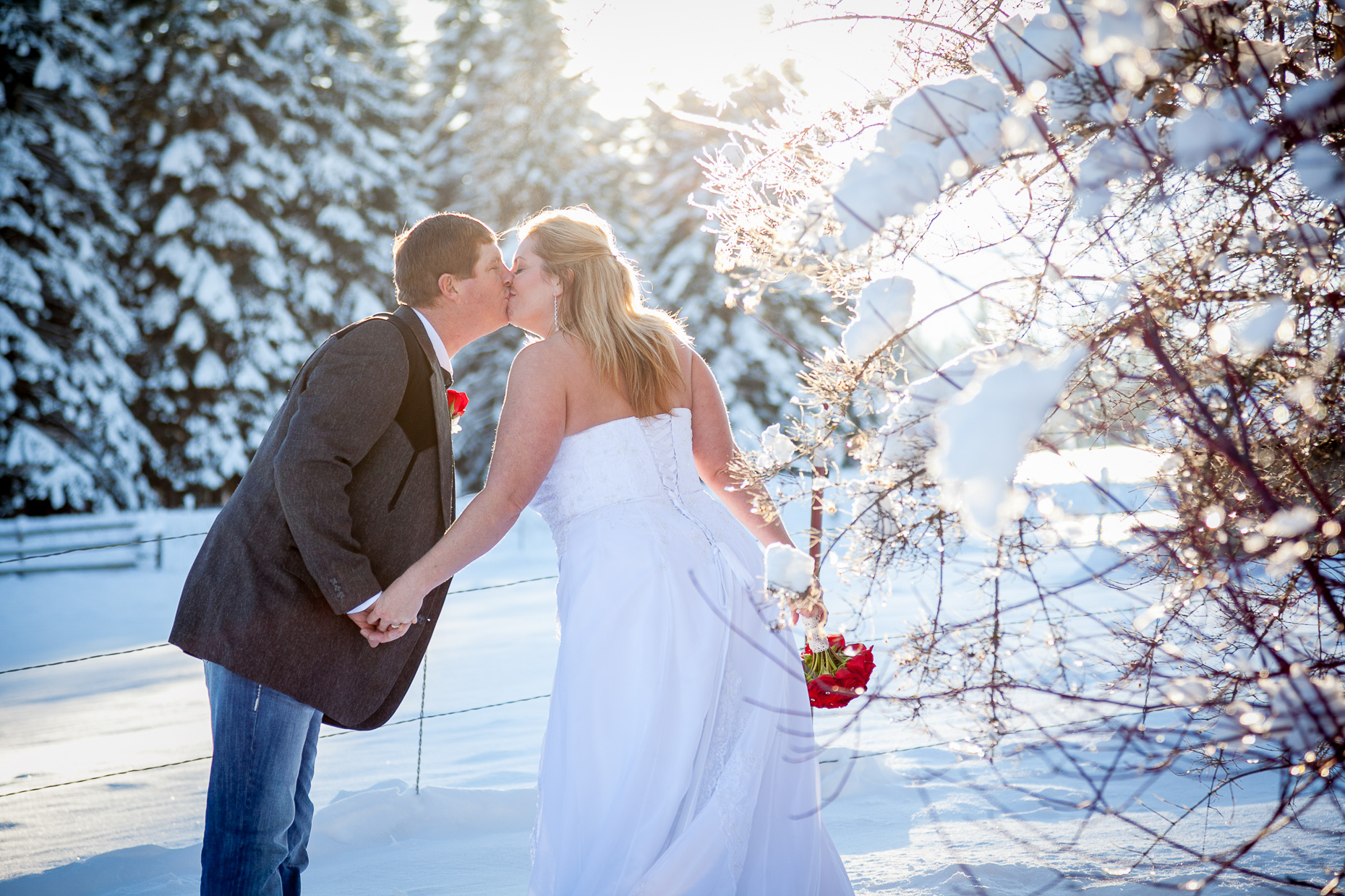 mt-hood-bed-breakfast-elopement-snow-39