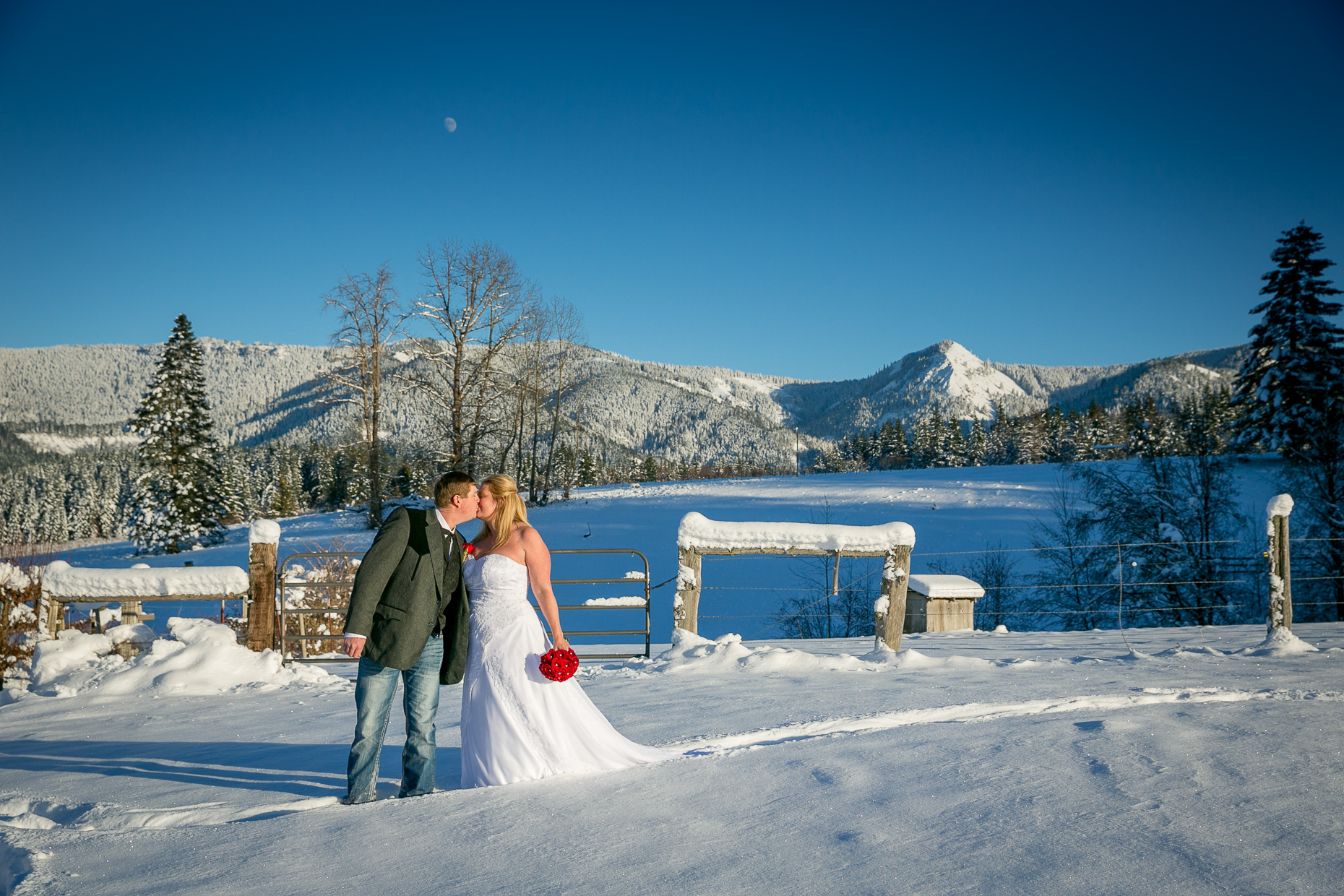 mt-hood-bed-breakfast-elopement-snow-47