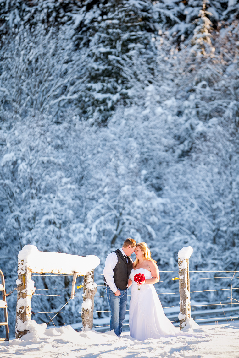mt-hood-bed-breakfast-elopement-snow-56