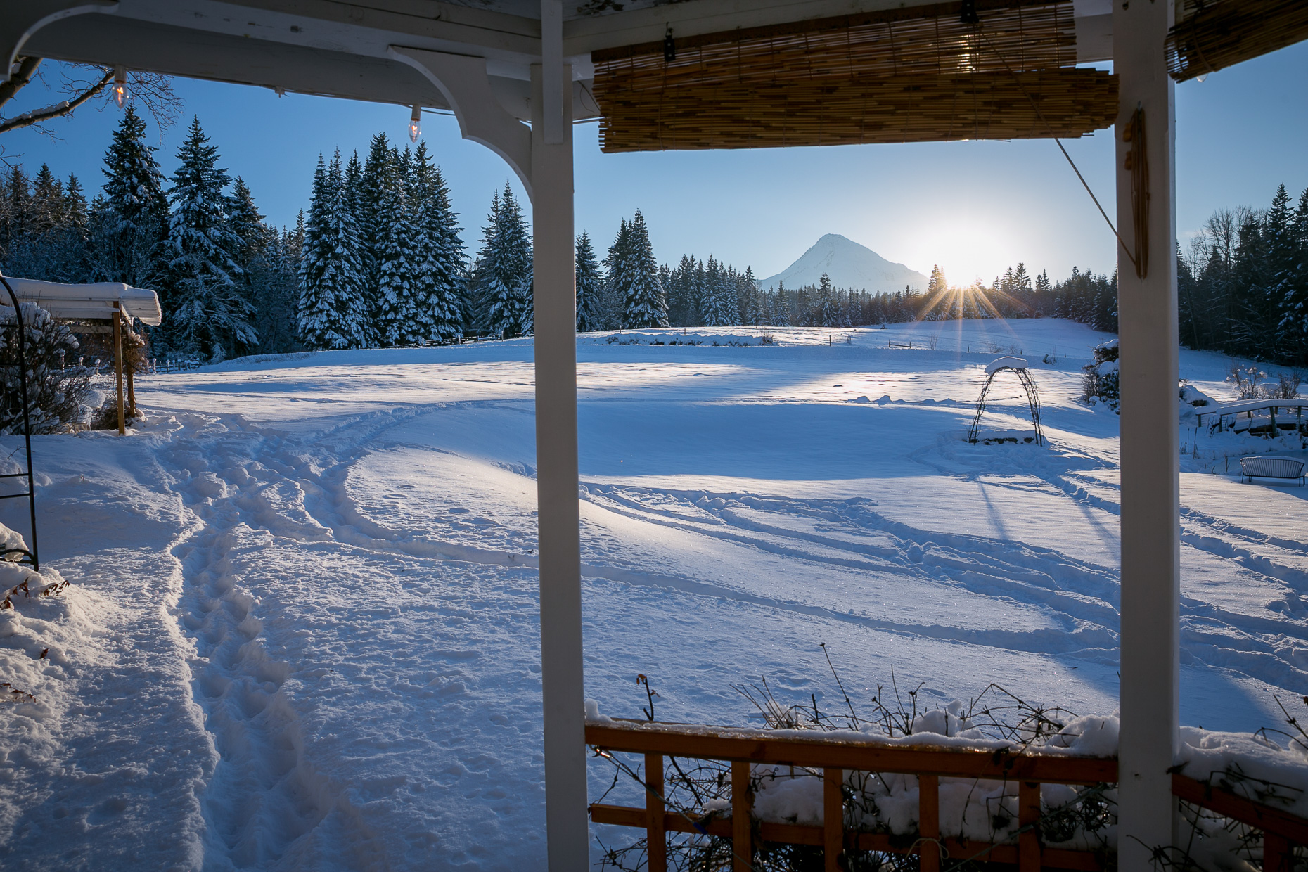 mt-hood-bed-breakfast-elopement-snow-65