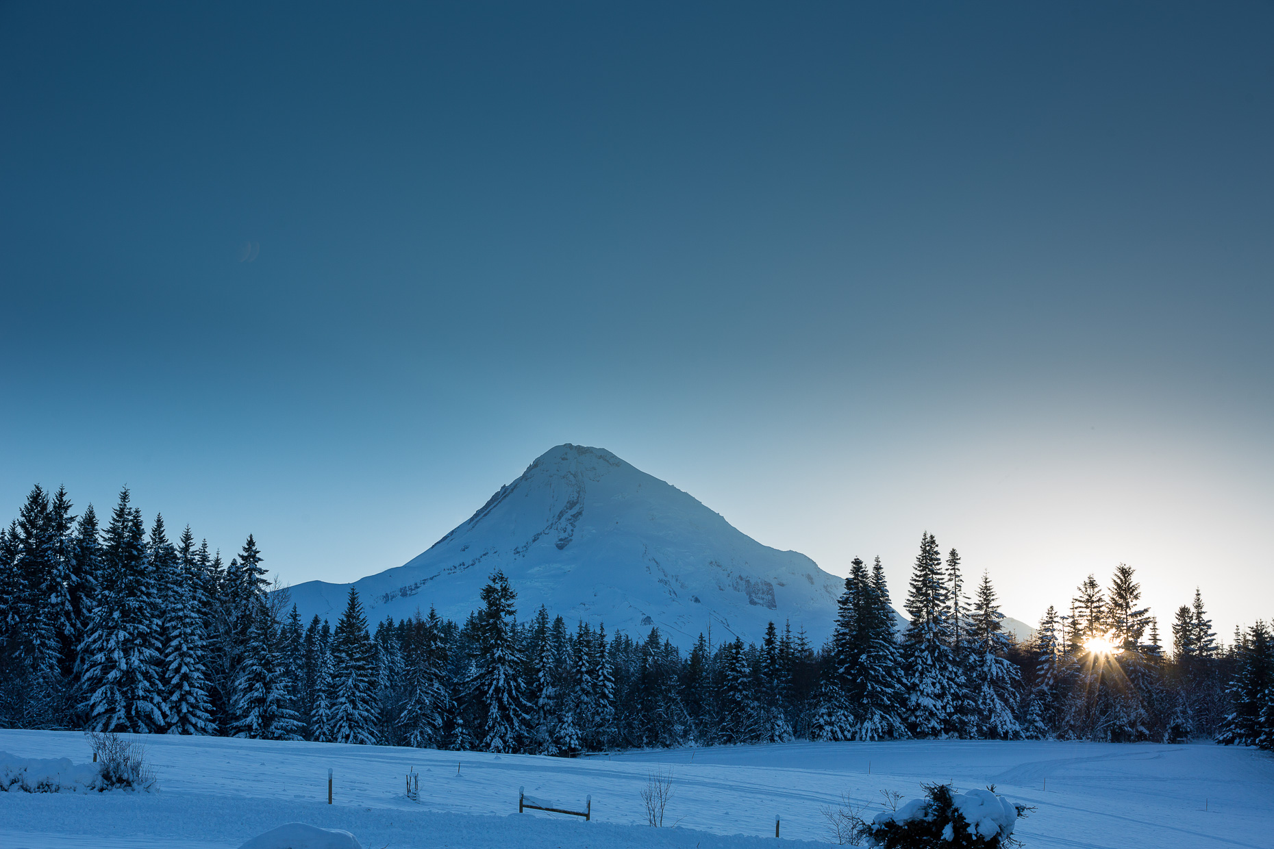 mt-hood-bed-breakfast-elopement-snow-67